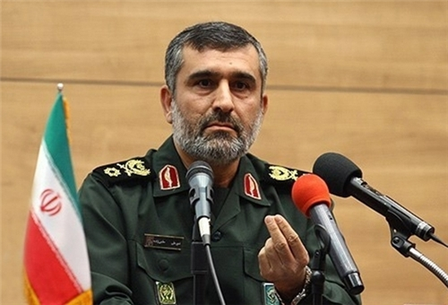 Photo of Iranian Commander: Iran Unveils 750km-Range MRV Missile with Pin-Point Precision Striking Capability