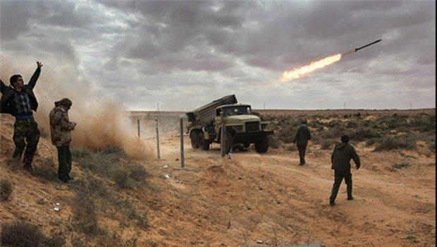 Photo of Yemeni Army rains missiles on Saudi regime military camp