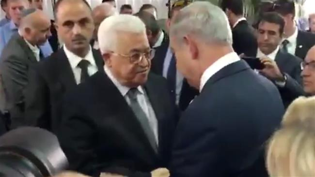 Photo of Hamas slams Abbas for taking part in Peres funeral