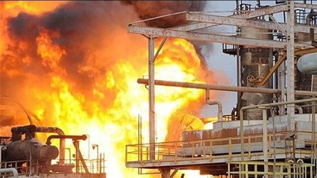 Photo of 4 injured as fire breaks out at petrochemical plant in southern Iran