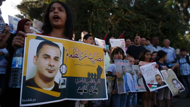 Photo of 3 Palestinians stop hunger strike after being promised freedom