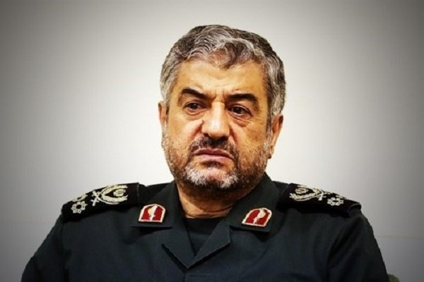 Photo of IRGC Gen.: Officials 'naive' in trusting West