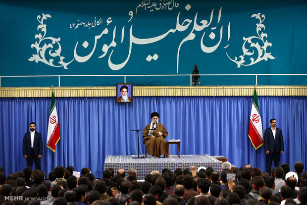 Photo of Leader of Islamic Ummah Imam Khamenei: Nation to protect elites 'unconditionally'