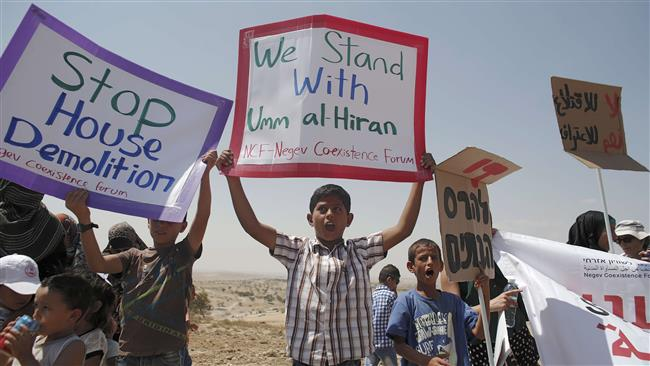 Photo of Palestinians protest Israel destruction of Bedouin homes in Negev