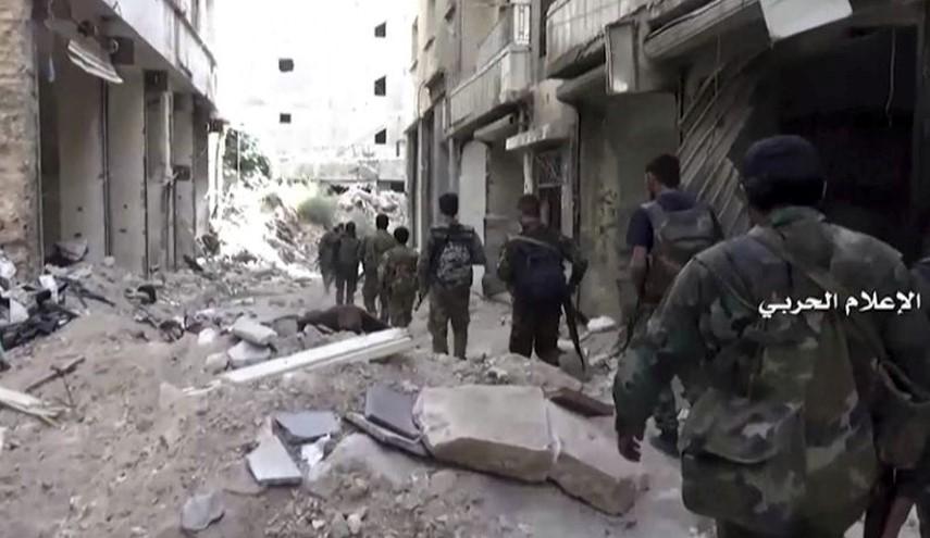 Photo of Frontline VIDEO: Watch Syrian Army Tanks in Bustan al-Basha in Aleppo Neighborhoods