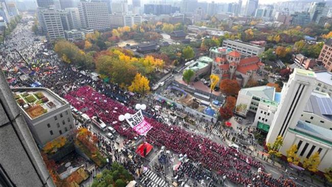 Photo of Hundreds of thousands of S Koreans demand president ouster