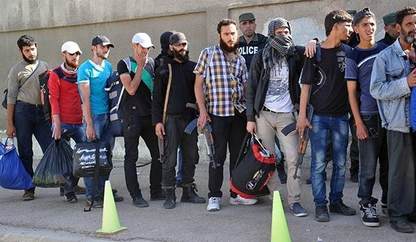 Photo of Syria: Militants in More Towns Join Peace Agreement with Gov't