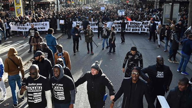 Photo of French protesters demand justice for black man who died in police custody