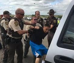 Photo of Over 2 dozen injured as police clamp down on Dakota pipeline protest