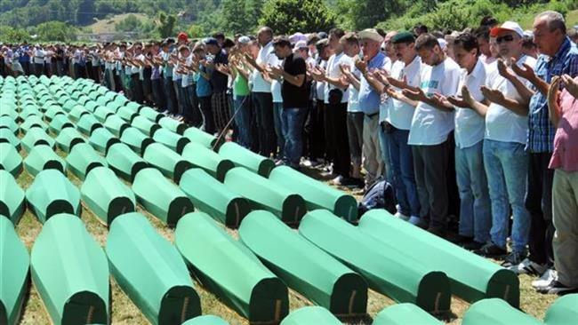Photo of Bosnian police detian 8 Serbian war criminals for complicity in mass killing