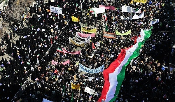 Photo of Iranians Stage Massive Rallies to Mark Anniversary of Islamic Revolution Victory