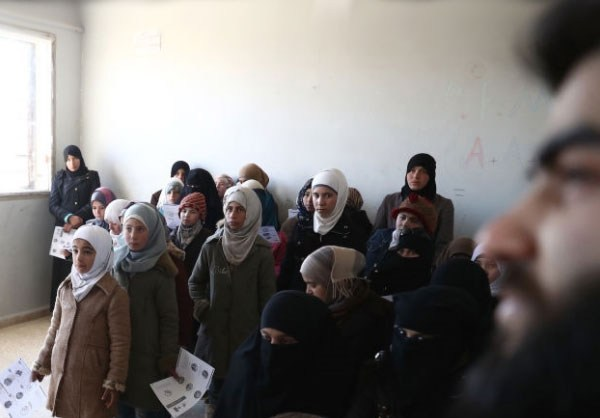 Photo of Photos- Syrian Students Take Part in Red Crescent Training