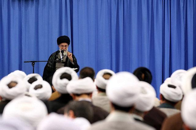 Photo of Imam Ali Khamenei: It is haram for the clergy to use luxury cars