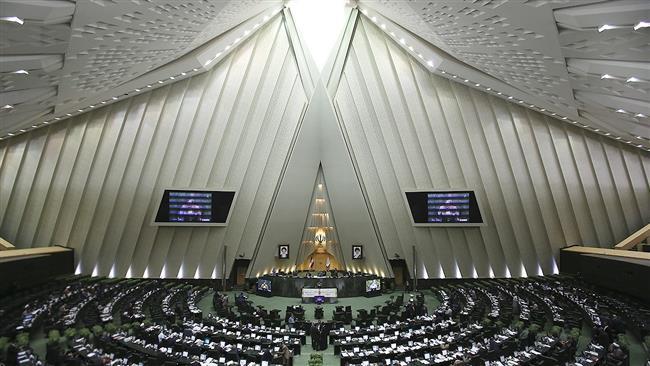 Photo of Iran MPs pass legislation in response to Trump travel ban