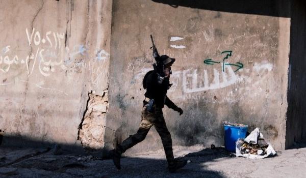 Photo of Iraqi Commander: ISIL Resistance 'Weakening' as Militants Flee Mosul Battle