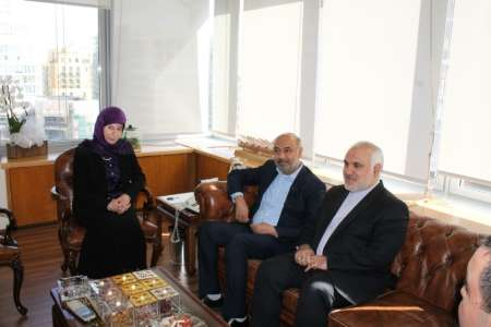 Photo of Iranian labor delegation confers with Lebanese minister
