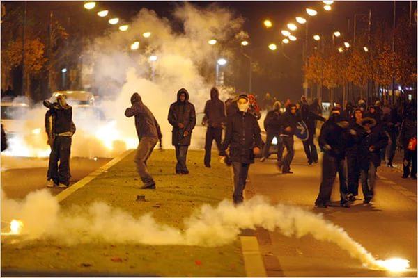 Photo of Riots continue in Paris for third night