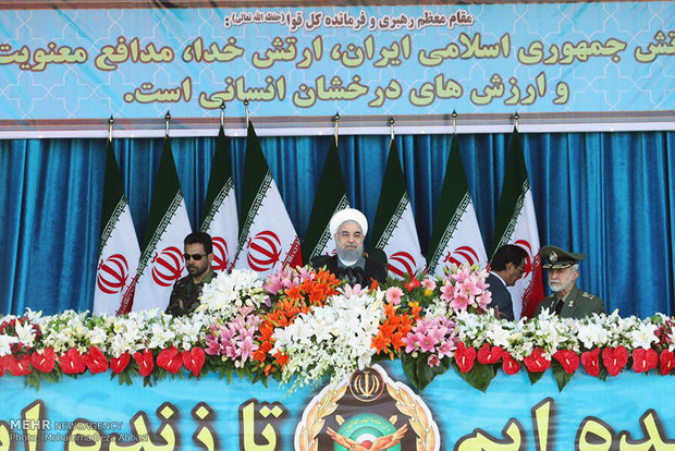 Photo of Rouhani: Iran's Army defensive, ready to defend ME states