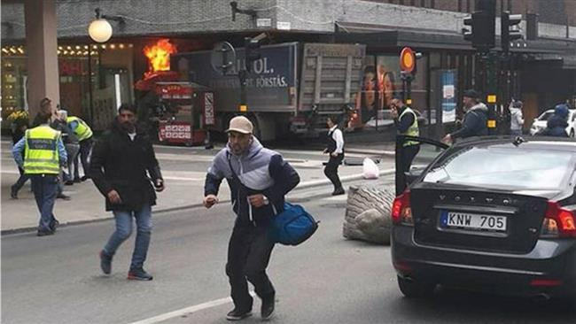 Photo of Police arrest man suspected of carrying out Stockholm truck attack