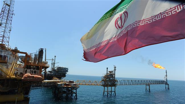 Photo of Iran's oil output to reach 4mb/d next March