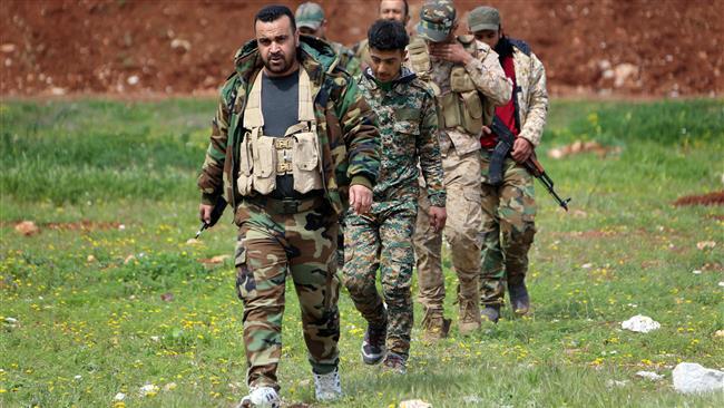 Photo of Syrian forces kill 10 Daeshis in Dayr al-Zawr