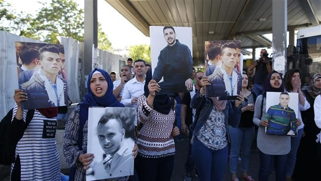 Photo of Mass Palestinian hunger strike claims first victim