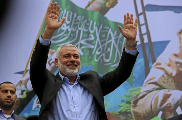 Photo of Zarif congratulates Haniyeh on appointment as Hamas leader
