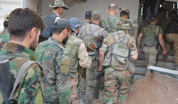 Photo of Syrian Army Cuts Terrorists' Links from East to West of Dara'a