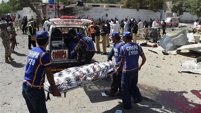 Photo of Car bombing kills 11 in southern Pakistan
