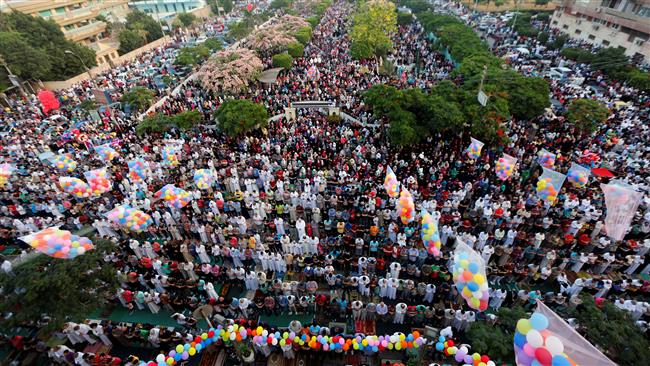Photo of Muslims celebrate Eid al-Fitr worldwide