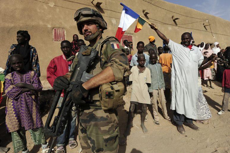 Photo of Al-Qaeda ambushes French Army in Mali, six soldiers killed, injured