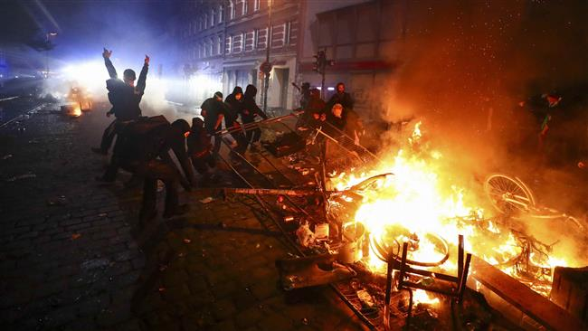 Photo of 200 protesters, officers injured in violent anti-G20 rallies in Germany