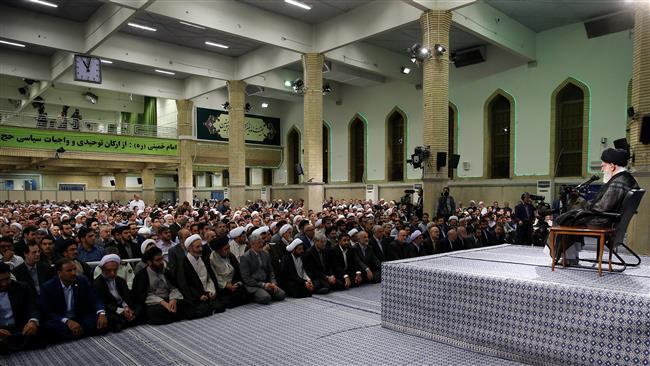 Photo of Leader of Islamic Ummah and Oppressed Imam Ayatollah Khamenei calls on Hajj pilgrims to take stand on al-Aqsa