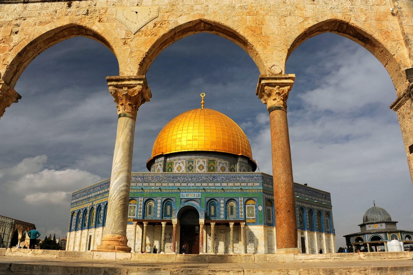 Photo of Malaysia condemns Aqsa Mosque closure