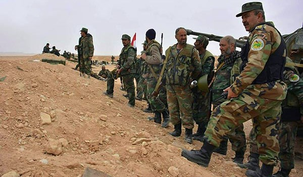 Photo of Syrian Soldiers Capture More Energy-Rich Regions Southeast of Raqqa Province