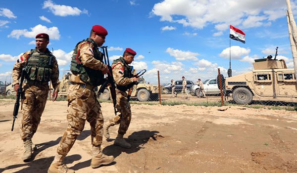 Photo of Iraqi Army Forces at Gates of Strategic Town of Tal Afar