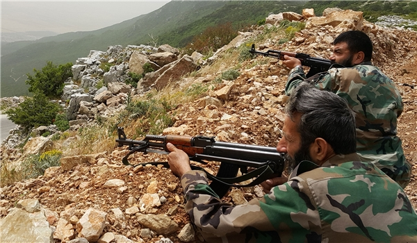 Photo of Syrian Army, Hezbollah Score More Victories against ISIL in Heights at Border with Lebanon