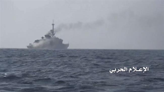 Photo of Yemeni naval forces, allies sink another vessel of zionist Saudi-led coalition off Mukha