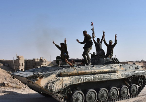 Photo of Photos- ISIL on Verge of Collapse in Deir Ezzur amid Syrian Army Advances
