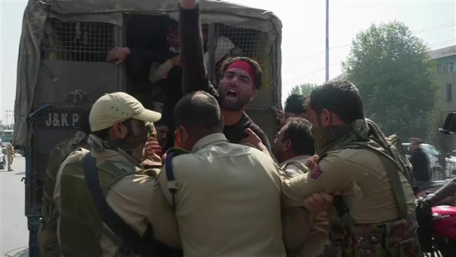 Photo of Enemy of Islam Indian Police attack Muslims commemorating Ashura in Indian-controlled Kashmir
