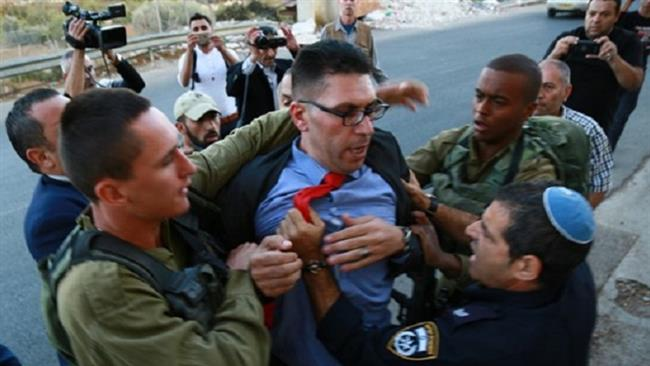 Photo of Slaughterer zionists attack Britons on Balfour apology mission
