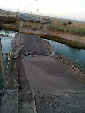 Photo of Barzani militias behave like ISIS, destroy Iraqi bridges as they retreat