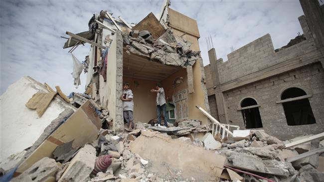 Photo of Rabid Dog Saud's airstrike kills at least 5 people in southwestern Yemen