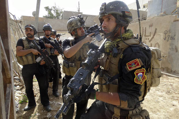 Photo of Iraqi reinforcements arrive near Syrian border to drive ISIS out of the country
