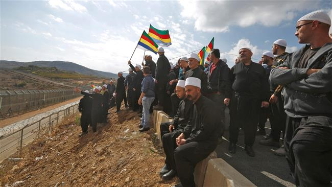 Photo of Syria's Golan Height protesters slam Israel's support for al-Nusra