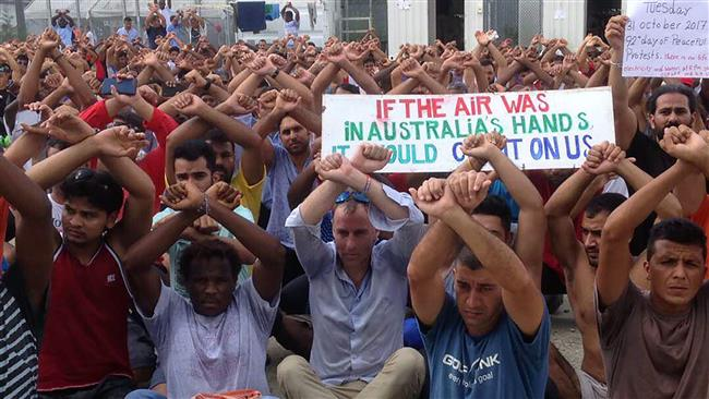 Photo of Tension rises as Papua New Guinea starts to dismantle migrant camp