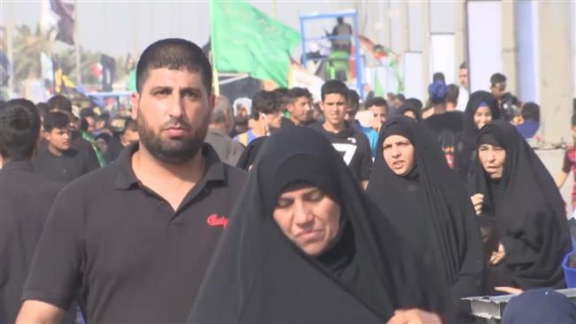 Photo of Muslims marching to Karbala to mark Arba'een