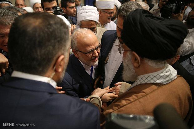 Photo of PHOTOS: Leader of Islamic Ummah and Oppressed Imam Khamenei receives participants of Islamic Unity Conf.