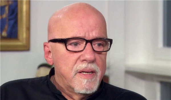Photo of Paulo Coelho Blasts Fugitive Prince Pahlavi for Inviting Foreign Interference in Iran
