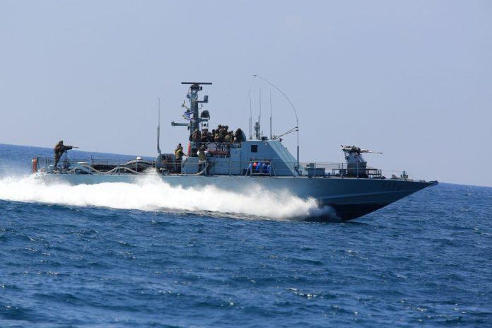 Photo of Zionist Navy fires gunshots towards Lebanese territorial waters
